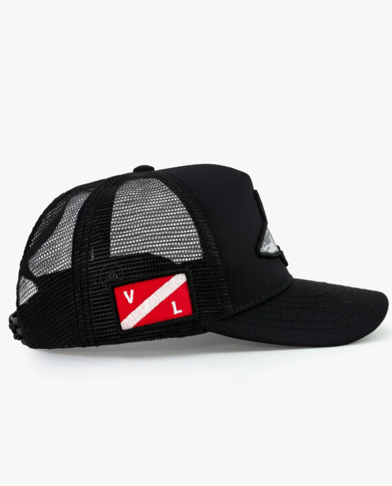 Trucker Hat Shark Lateral